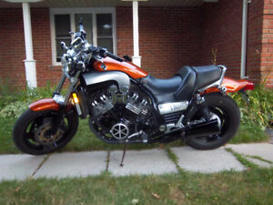 1998 yamaha vmax 1200cc,very clean bike,tires are new,