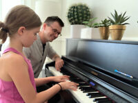 Piano Classes in Your Home *FREE CONSULTATION LESSON*