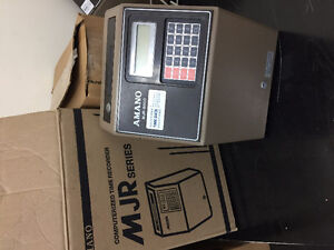 MJR 7000 / TIME CLOCK/PUNCH CLOCK /500 FREE CARDS &25 SLOT RACK