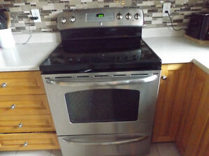 GE Fridge and Stove in really good condition for sale
