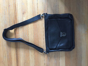 Roots black leather laptop/tablet carrier