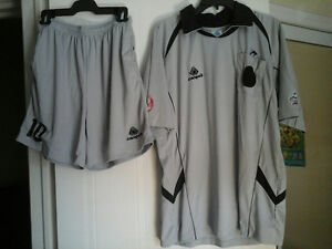 Campea Soccer Referee Uniform size L -Uniforme Arbitre de soccer