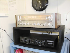 VINTAGE PIONEER RECEIVER WITH SPEAKERS AND STANDS
