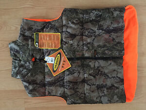 Hunting Vest - Brand New - Reversible - size medium