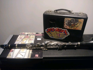 Clarinet. Plays well.