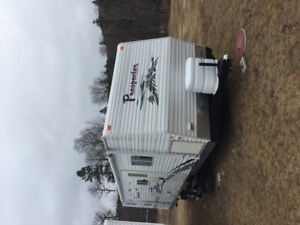 2009 Laurentian travel trailer
