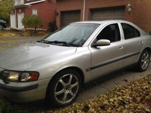 2004 Volvo S60  $1300 silver with black leather fully loaded