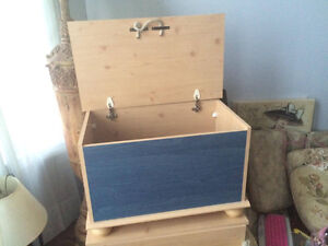 hutch/side table