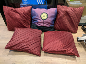 Collection of 5 Cushions