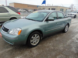 2005  FORD FIVE HUNDRED * ALL-WHEEL DRIVE*