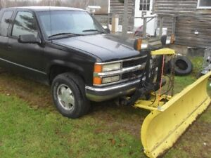 1997 Chevrolet Silverado extended cab with plow