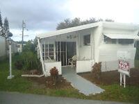 Maison de parc Avec Florida room en Floride 55+cause Maladie URG
