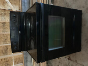 Whirlpool electric glass top stove. 30 inch