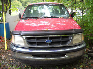 1997 Ford F-150 XL Pickup Truck (Quebec Plated)