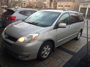 2005 Toyota Sienna LE Minivan - drives AMAZING!