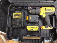 Dewalt combi drill li ion 18v 2 batterys 4amp