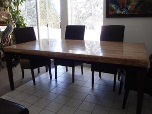 Table de salle à manger en travertin