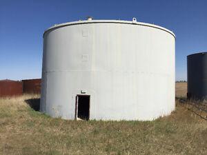 Used 2,000 bbl tank