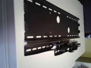 """Speedex MT-117M TV Wall Mount with tilt for 32"""" to 60"""" flat pane"""
