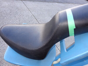 Harley gel softail seat   recycledgear.ca Kawartha Lakes Peterborough Area image 3