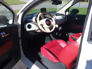 2013 Fiat 500c lounge,blance,toit rouge,,a/c,cuir,bleutooth
