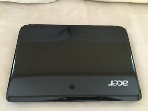 LIKE NEW ACER AS1410 NETBOOK with CASE
