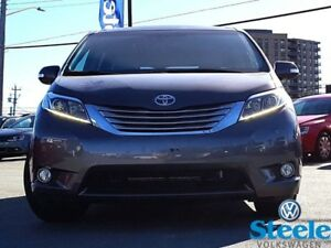 2015 TOYOTA SIENNA Limited AWD - Loaded, Low Mileage, Trade-In