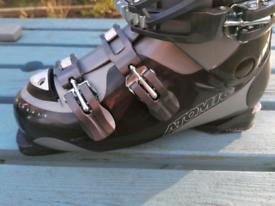 Atomic Ski Boots - wide fit, 27.5