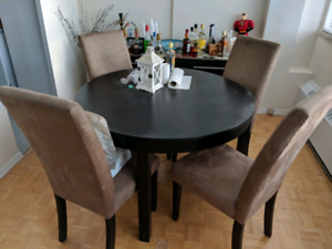 Ikea dining table and hutch (sidsboard)