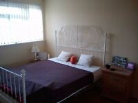 Double rooms available, two toilets, great location. Little Thurrock, Grays, RM17