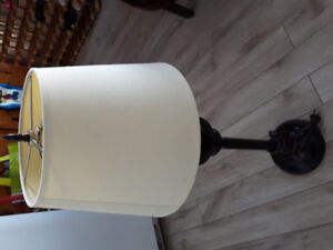 Off white Tall Lampe