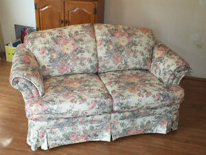 LOVE SEAT,.LIKE NEW,..CLEAN. Kitchener / Waterloo Kitchener Area image 1
