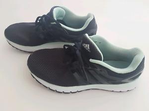 Adidas runners 9