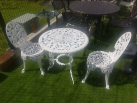 Cast iron garden patio bristo set table and chairs