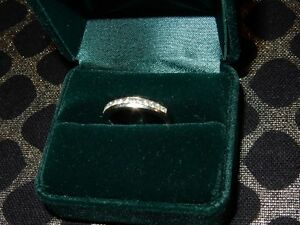Wedding engagement ring, size 5.5. diamonds 18 carot