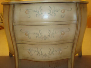 Beautiful Antique look 3 drawer chest