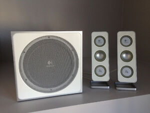 Logitech Z4i Computer Speakers and Sub-woofer
