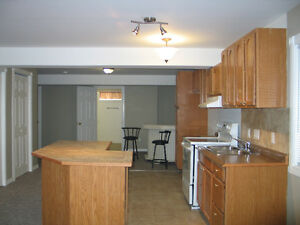 2 Bedroom walk out very private & quite beautiful sunrise Kawartha Lakes Peterborough Area image 3