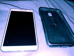 Samsung note 3 32gb with otter box 130$ obo