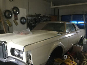 1971 Lincoln Continental Coupe (2 door)