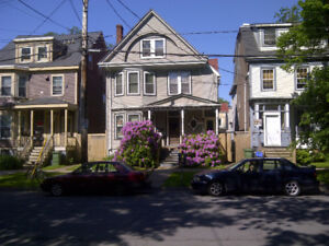 3 BR FLAT CLS2DAL CLS2DWNTWN AVAIL SEPT 1ST $2000 INL