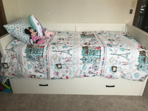 Twin Trundle day bed with mattresses