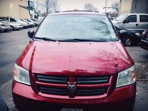 2009 Dodge Grand Caravan. Automatic. 7 Seats.Stow N go.