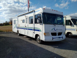 1999 Hurricane 33SL by Four Winds