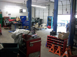 AUTO SHOP FOR SALE- 2 SEPARATE SHOP IN ONE BUILDING! REDUCED!!! Windsor Region Ontario image 4