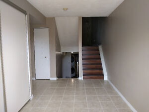 5 Room Condo Available for Student Rental ALL utilities included London Ontario image 7