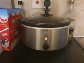 Slow cooker for sale!!