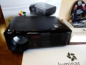 LED Smart 4K Projector L800