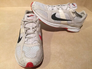Women's Nike Zoom Air Marathoner Running Shoes Size 9.5  London Ontario image 5