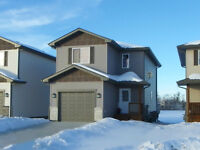 NEARLY NEW 2-Storey in GREAT Area!